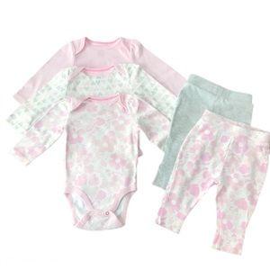 Set of Three Long-sleeves Onesies / Two Pants.